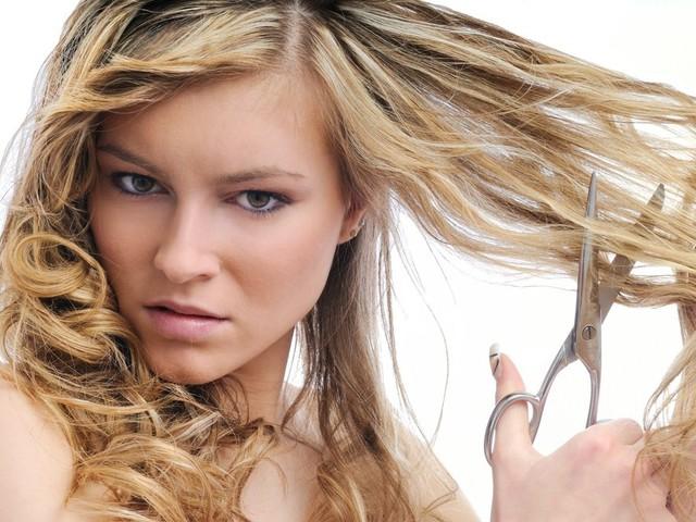 Три способа укротить непослушные волосы