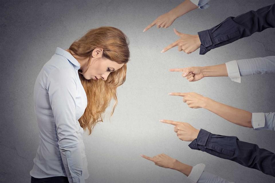 Как поднять самооценку - причины неуверенности и принятие себя